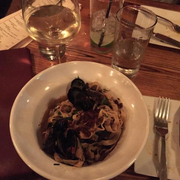 13.5 Mussels Fettucini